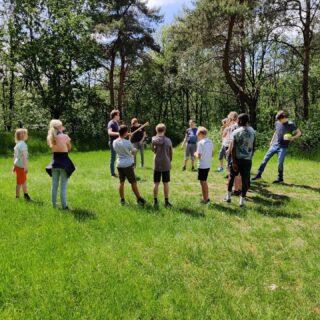 De Scouts zijn lekker aan het slagballen & genieten van het mooie weer☀️